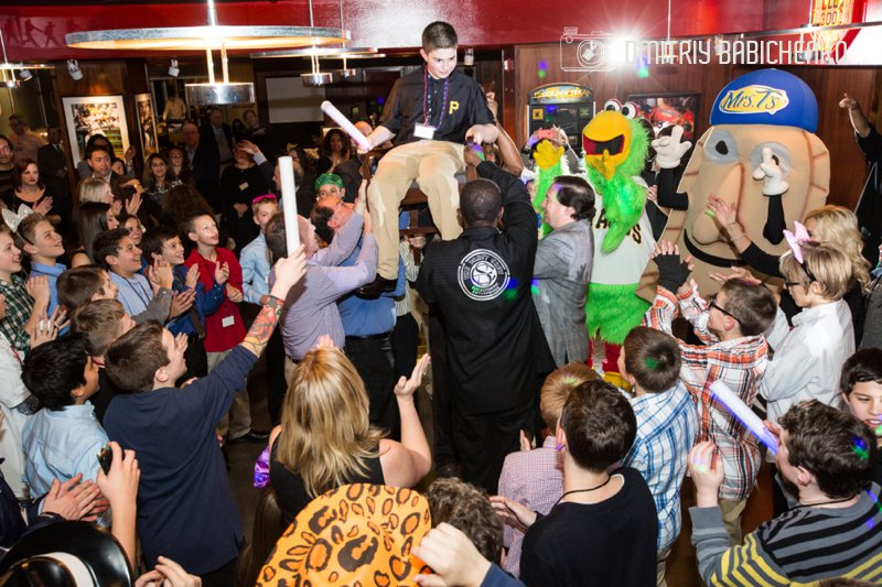 Dustin's Bar Mitzvah   PNC Park   Dmitriy Babichenko - Pittsburgh Bar and Bat Mitzvah Photographer